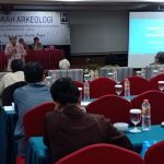 Mengikuti Diskusi Ilmiah Arkeologi IAAI